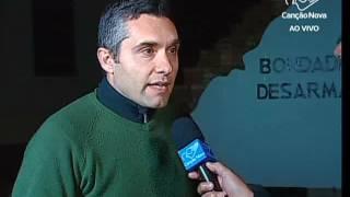 Vamos até a capital paulista, cidade que tem mais de vinte mil pessoas vivendo em situação de rua para falar com o repórter Sidinei Fernandes. Sidinei, boa noite. É triste ver ainda hoje acontecimentos como este!Inscreva-se no nosso Canal: http://bit.ly/youtubetvcnAcesse o portal Canção Nova: http://goo.gl/GOXFYL Acesse a Loja Canção Nova: http://goo.gl/8Rsg6J Faça seu cadastro agora e seja bem-vindo à Família Canção Nova:  http://goo.gl/uBNjrD*Inscreva-se em nosso #Telegram, assim você fica mais perto da Canção Nova  https://telegram.me/cancaonovaBaixe gratuitamente em seu Smartphone, tablet e IPad os nossos Aplicativos. #TViTunes: https: //goo.gl/8pEs8i Googleplay: http://bit.ly/apptvcn#RádioiTunes: https://goo.gl/aMeJCh#Googleplay: https://goo.gl/dMC37e#Liturgia Diáriahttp://bit.ly/appliturgia#Músicas Canção Novahttps://goo.gl/a1gMv7