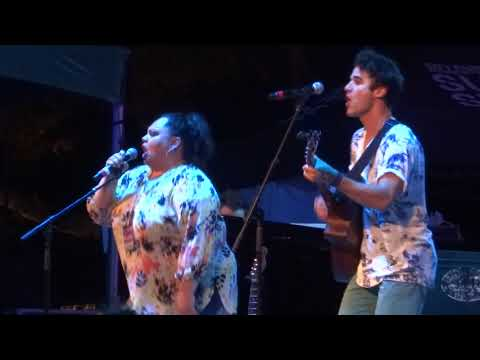 Video Keala Settle - This Is Me (The Greatest Showman) (Elsie Fest 2017) download in MP3, 3GP, MP4, WEBM, AVI, FLV January 2017
