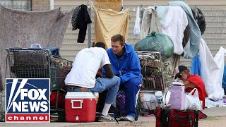 Download Video Tucker: Homelessness has no obvious solution MP3 3GP MP4