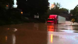 18 Wheeler Truck Drives Through 5 Foot Flood