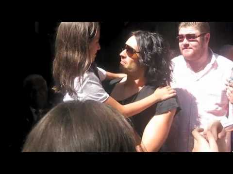Dealing With Fans - The Situation Vs Russell Brand