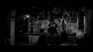 Nonton A Girl Walks Home Alone At Night   Clip Film Subtitle Indonesia Streaming Movie Download