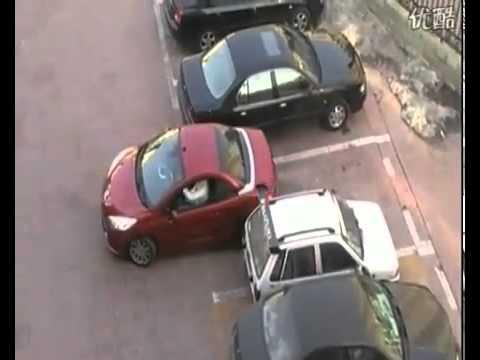 ผู้หญิงคนนี้จอดรถสุดเจ๋ง อย่าวัดใจกับเธอ