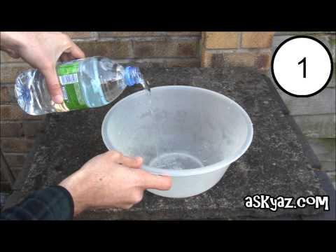 如何快速倒出礦泉水?一根吸管2秒解決