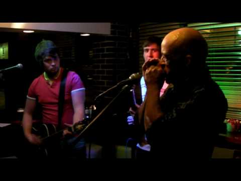 Hot Knives plus blues harp man at Millsys Bar, Earlsdon - 5-7-2010