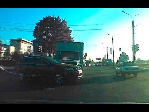Авария 2 грузовика и 2 девушки на AUDI Q7
