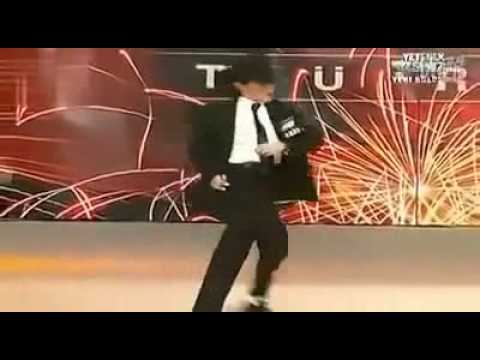 12-year-old child to imitate MJ shock the audience