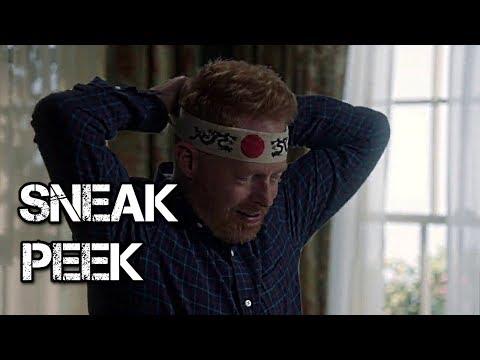 Modern Family - Episode 9.07 - Winner Winner Turkey Dinner - Sneak Peek 1