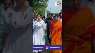 Anchor Shyamala Joins in YS Sharmila Padayathra