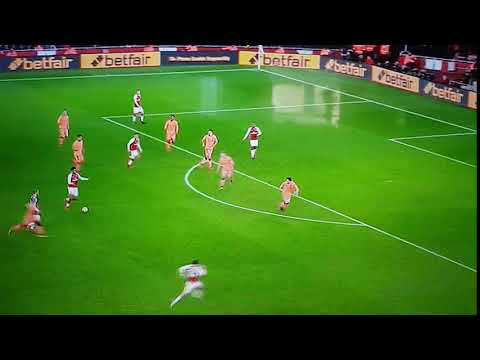 When Bellerin Passes The Ball From Zone 14 Into Zone 17 He Was Unsuccessful