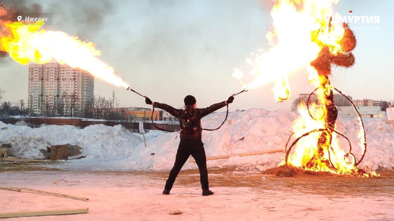 Огненное шоу на ижевском ипподроме