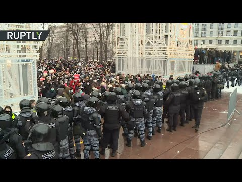 Navalny supporters protest in Moscow