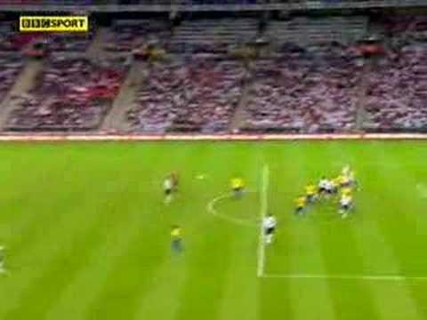 Primer gol con la selección en el estadio Wembley