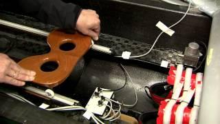 Das Ruderboot wird mit verschiedenen Sensoren ausgestattet, damit die Kräfte der Sportler bei jedem Schlag gemessen und anschließend analysiert werden ...