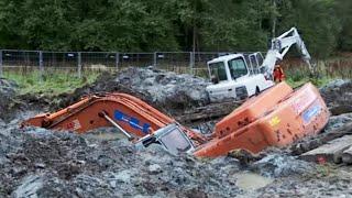 Video Two Excavators stuck in deep clay - Heavy Recovery - Terribärgarn, Sweden MP3, 3GP, MP4, WEBM, AVI, FLV September 2019