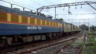Vasind India  city pictures gallery : Indian Railways..Rhythmic pass by 12261 CSTM-Howrah Duronto express at Vasind outer