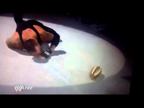 CM Punk déguiser en druide et attack The Undertaker