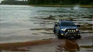 RC Boat Launch. Tamiya Tundra Highlift&Venom King Of Shaves Maiden Launch.