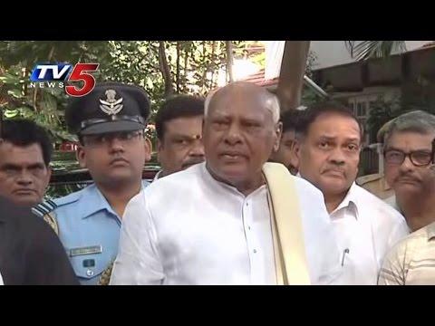 Tamil Nadu Governor Rosaiah Pays Tribute To Bapu : TV5 News