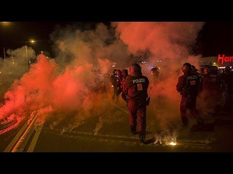 Γερμανία: Ακροδεξιοί συνεπλάκησαν με αστυνομικούς – Ζητούν την απαγόρευση εισόδου στη χώρα σε…