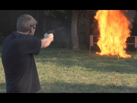 FPS Russia - Car Explosion And Tracer Rounds