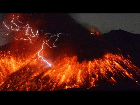 WOW! You Gotta See This Volcano Lightning !