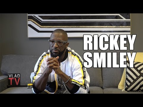 Rickey Smiley on How the Bible Upholds Racism and White Supremacy (Part 4) (видео)