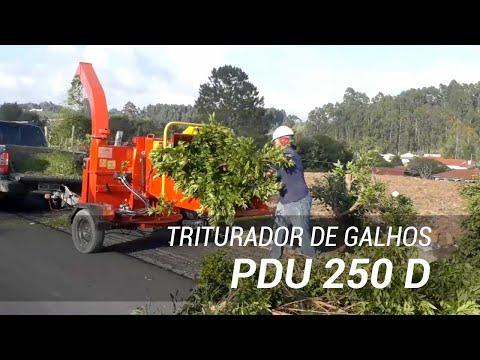 Triturador de galhos a gasolina em área urbana PDU 250 G