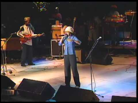 Video Lauryn Hill with Ziggy Marley and The Melody Makers - Turn Your Lights Down Low download in MP3, 3GP, MP4, WEBM, AVI, FLV January 2017