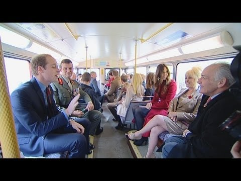 kate - Subscribe to The Royal Family Channel! http://bit.ly/12c6D6C The Duke and Duchess of Cambridge have surprised hundreds of commuters by travelling by bus to m...