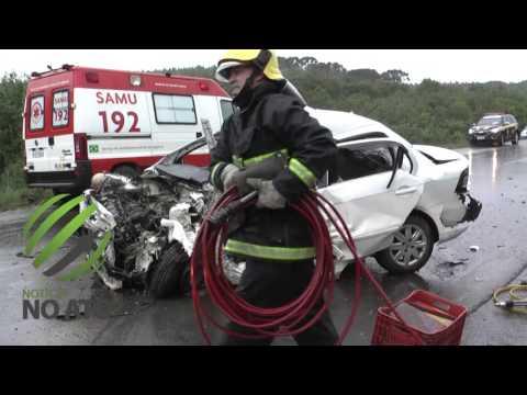 Acidente envolvendo um caminhão e três carros resulta em uma vítima fatal