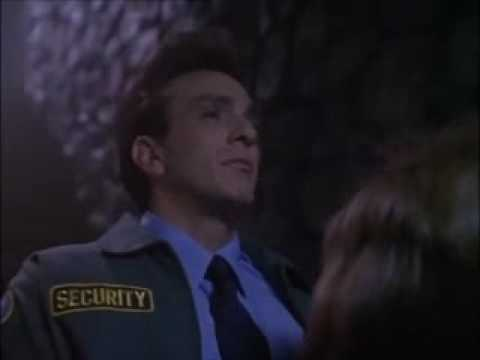 Tales from the Crypt S06E12 Doctor of Horror