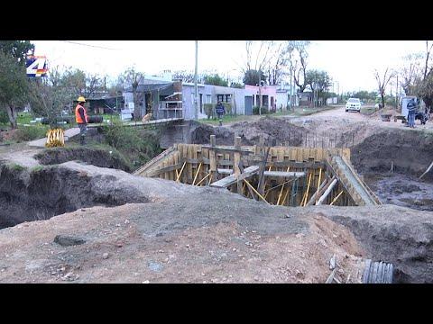 Construyen puente en calle Ciudad de Young y Almagro
