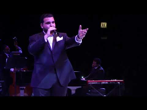 Video Sal Valentinetti 'Fly Me to the Moon' Live at the NYCB Theatre download in MP3, 3GP, MP4, WEBM, AVI, FLV January 2017