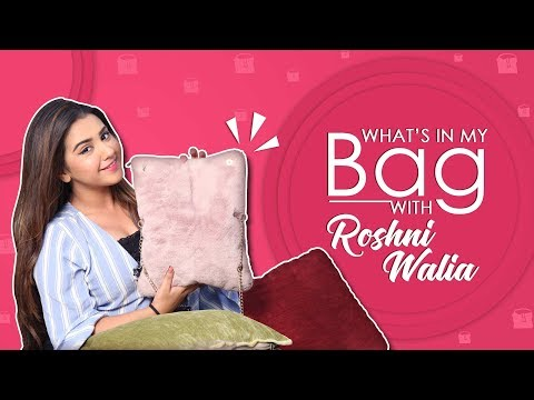 Video What's In My Bag With Roshni Walia | Bag Secrets Revealed | Exclusive download in MP3, 3GP, MP4, WEBM, AVI, FLV January 2017
