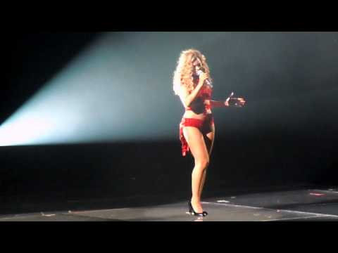 Beyonce Live! - I Will Always Love You (Whitney Houston) & Halo