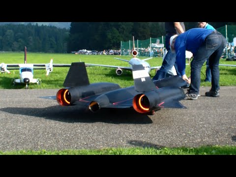 The New R/C Lockheed SR-71 Blackbird By Roger Knobel With After-Burn Hausen Flight Day 2014