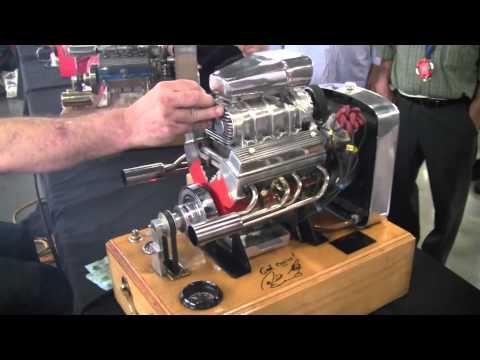 V8 mini engine фотография
