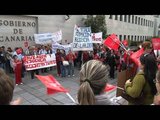 Protesta de trabajadores de la residencia de mayores de La Aldea y de Cruz Roja de La Aldea y Mogán