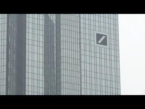 Deutsche Bank schafft kleinen Gewinn - nach drei Verl ...