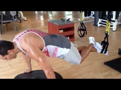 Entrenamiento Funcional para abdomen, pecho y hombro - Club Deportivo Gym Pro