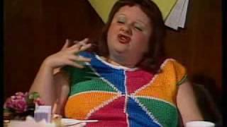 Video Fast Forward - 'Lynne Smoko'.  Early 90's Australian comedy. MP3, 3GP, MP4, WEBM, AVI, FLV Mei 2018