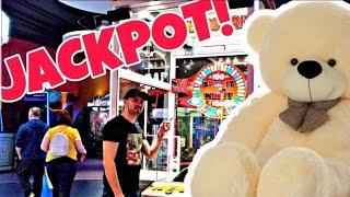 Video We Won The BIG CLAW MACHINE JACKPOT! UK England Arcade - ArcadeJackpotPro MP3, 3GP, MP4, WEBM, AVI, FLV Juni 2019