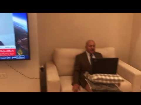 سخرية لفيديو محلل قناة #الجزيرة بملابسه الداخلية