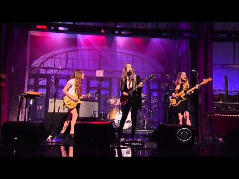 Watch Haim perform 'Forever' on