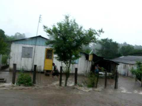 Dia de chuva em Tupanciretã enchente