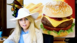 (exclusive) GIRL PAINTS CHEESEBURGER