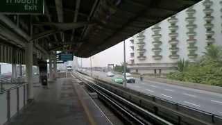 バンコク市内観光BTSサパーンタークシン駅