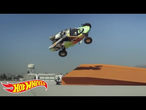 Hot Wheels   92 Feet World Record Corkscrew Jump in a Real Buggy | Video
