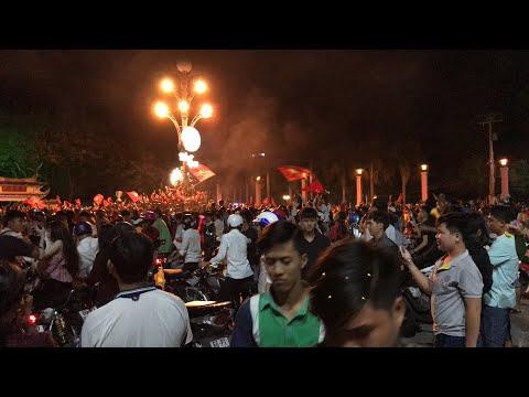 Đội tuyển Việt Nam vô địch AFF Cup 2018, đây là không khí tại Văn Miếu (TP. Cao Lãnh) | THDT - Thời lượng: 46:16.